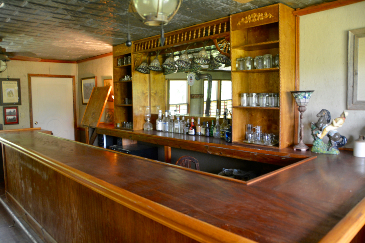 4. Saloon Bar