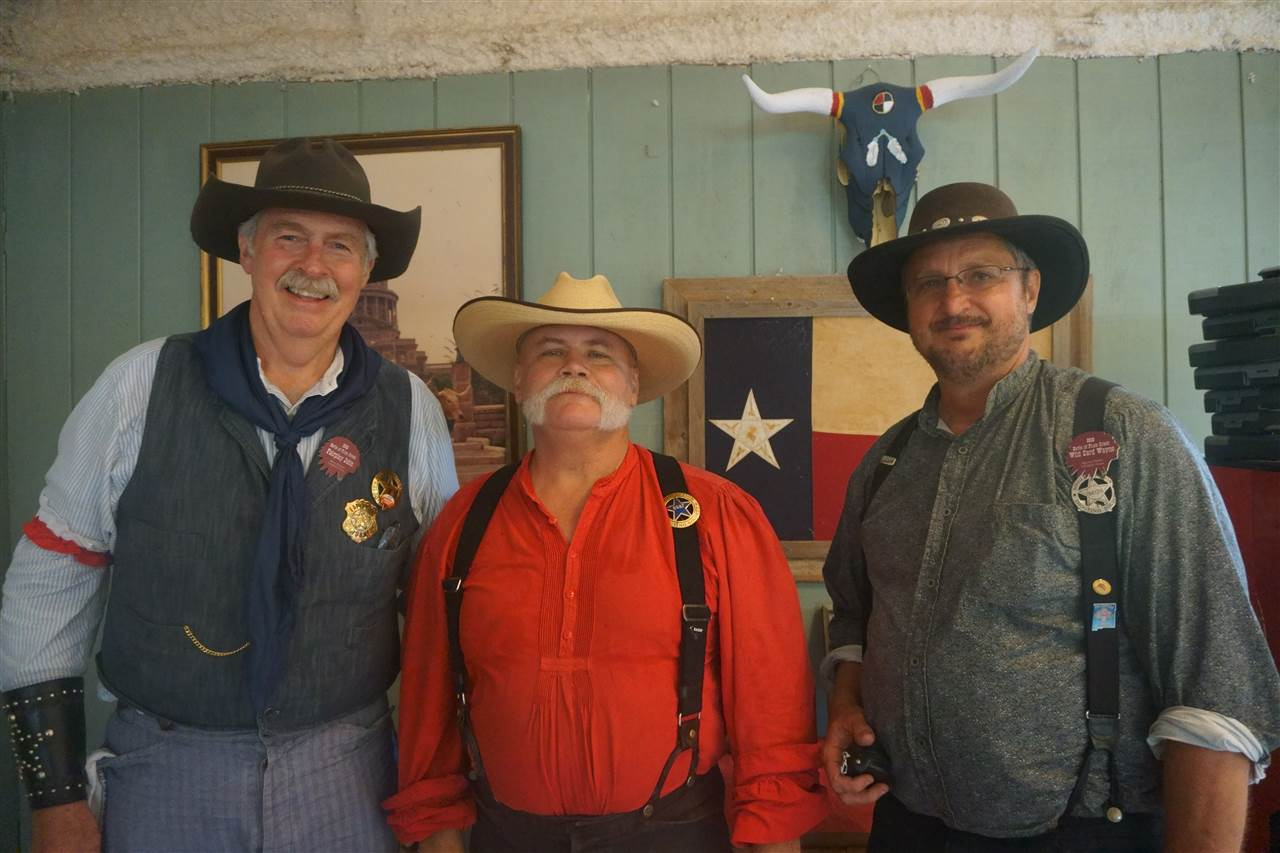 _Frontier Cartridge Gunfighter - Texas Jack Daniels & Wild Card Wayne & Fairplay John