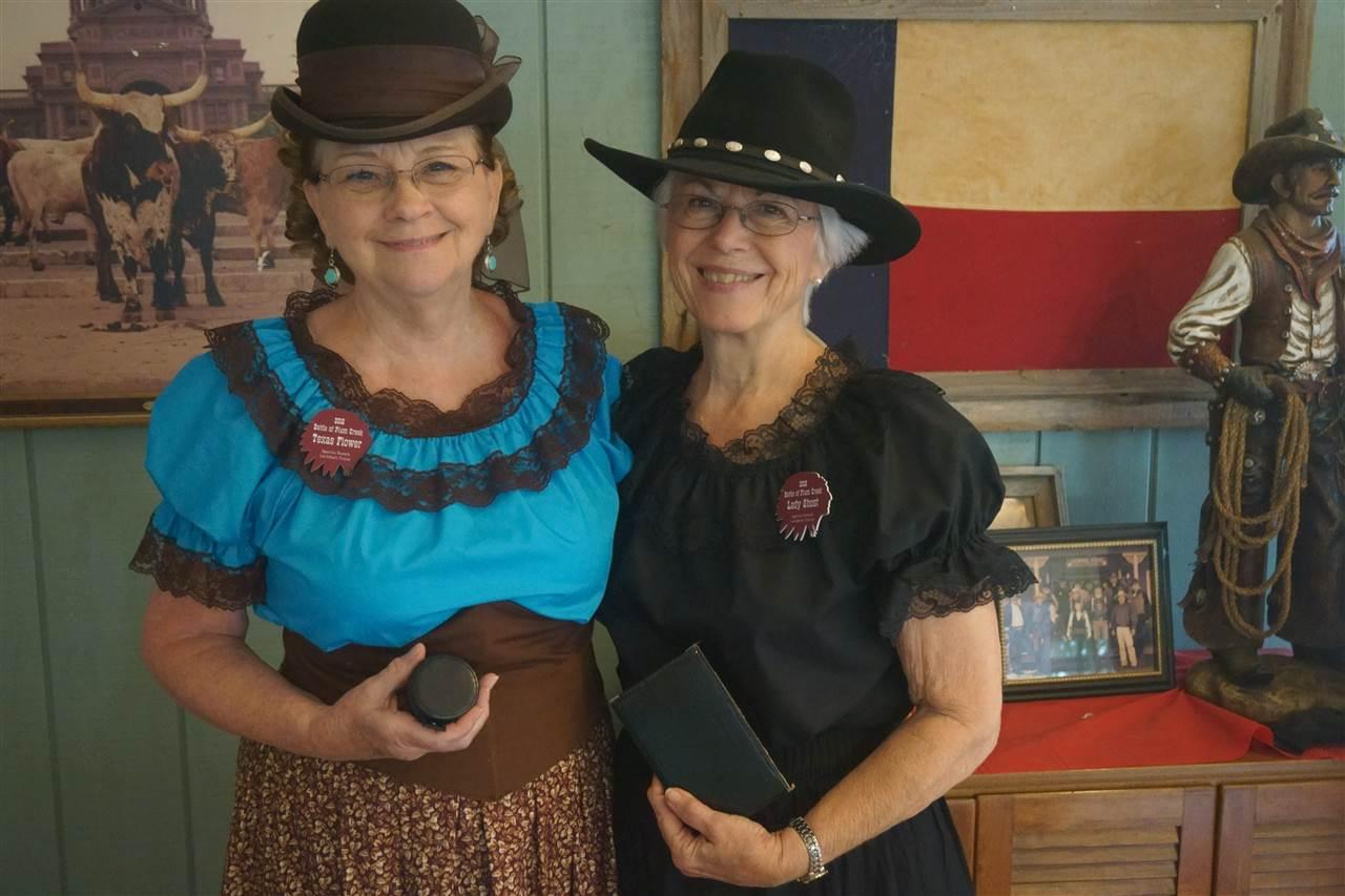 _Grande Dame - Lady Ghost & Texas Flower